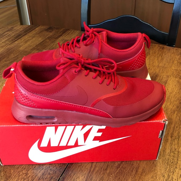 Women's Nike Air Max Thea in red size 7.5